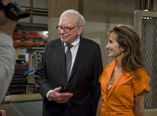 In this image released by ABC, billionaire investor Warren Buffett, left, who plays himself, is shown on the set with soap opera icon Susan Lucci on ABC Daytime&#39;s &#34;All My Children, &#34; taped in New York. Buffett will come to the aid of Lucci&#39;s character Erica Kane while she is in prison on a fraud rap in an upcoming episode. It is Buffett&#39;s second appearance on daytime drama.  <span class=meta>(AP Photo&#47;ABC, Steve Fenn)</span>